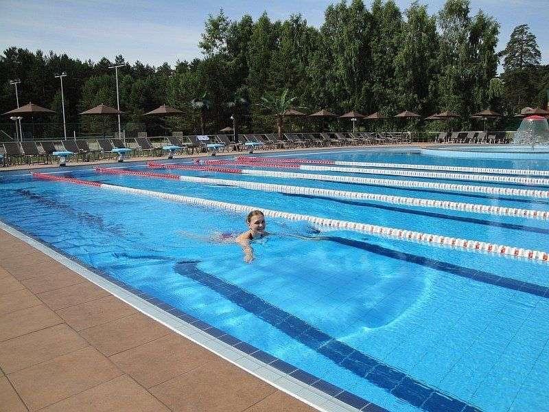 Открылся первый за уралом бассейн