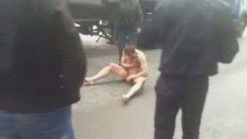 В Новосибирске задержали неадекватного мужчину без одежды