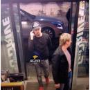 Дима Билан заправил автомобиль и купил жвачку на АЗС под Бердском