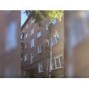 Спецназ штурмует квартиру наркоторговцев