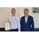 Олег Бородынкин получил награду от Юрия Саблина
