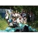 """Волонтеры проекта """"Чистые игры"""" на уборке бэмзовского леса"""