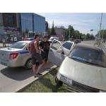 Сломал забор и четыре ёлки молодой водитель на ул. Ленина в Бердске