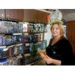 Жительница Бердска Жанна Губина собрала дома огромную библиотеку