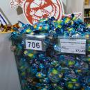 В супермаркете Бердска продают конфеты «Рошен» и вино под флагом Украины