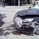 На перекрестке с неработающим светофором в Бердске столкнулись три автомобиля