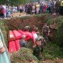 Поисковики «Кондора» из Бердска нашли останки 10 бойцов в городе Белом
