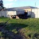 Грузовик пробил бетонный забор  в военном городке в Бердске