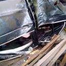 БМВ с пьяной компанией врезался в дом в Бердске и перевернулся