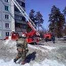 Из-за залетевшей на балкон сигареты горела квартира в высотке в Бердске