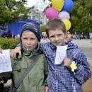 В День детства пожарные в Бердске устроили пенное шоу