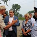 Жители Бердска садятся в маршрутку посреди дороги у «Ремикса»