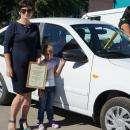 Продавец цветочного салона выиграла «Лада Гранта» у «Продсиба» в День города Бердска