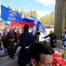 Колонна политиков у Вечного огня в Бердске. А без политической атрибутики никак?