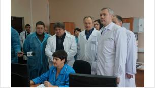 Врио губернатора Новосибирской области Андрей Травников на ПО Сиббиофарм