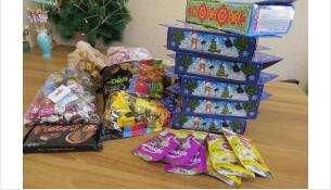Это на данный момент все конфеты, которые удалось собрать для больной детворы
