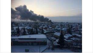К моменту приезда пожарных сгорела крыша дом