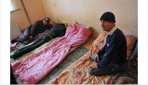 В «резиновые» квартиры в Новосибирске прописали сотни нелегалов