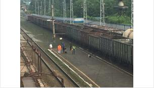 Женщина погибла под поездом на ж/д вокзале в Бердске