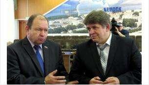 Спикер горсовета Валерий Бадьин и мэр Бердска Евгений Шестернин
