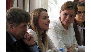 Евгений Шестернин второй раз проводит встречу с молодыми педагогами в таком формате
