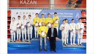 Серебро первенства России по фехтованию завоевал Бердск в составе областной сборной