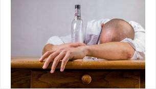 Пьяный искитимец в магазине спрятал в рукав бутылку виски и ударил охранника