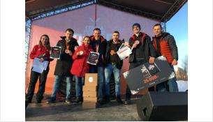 Бронзу «Гонки героев» в Москве завоевала семья Яниных из Бердска