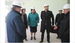 Чиновники посетили стройплощадку в Южном