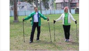 Вице-мэр Бердска Владимир Захаров увлечен скандинавской ходьбой