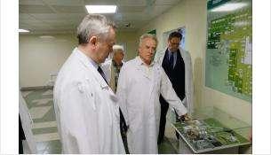 Губернатор поручил ускорить реконструкцию хирургического корпусав Искитиме