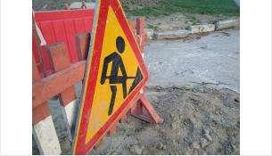 Коммунальщики устраняют аварии на сетях