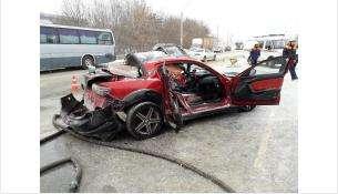 Водитель спорткара Mazda RX-8 погиб при столкновении с фурой