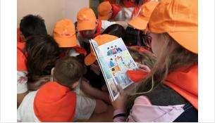 Детям показали комиксы о неправильном питании