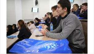 Ведущие российские и зарубежные ученые прочтут лекции для участников зимней школы НГУ