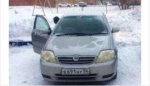 Наехал на стоящую «Тойоту» и скрылся неизвестный водитель в Бердске