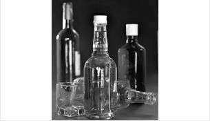 Крепкий алкоголь запрещено продавать в нестационарных объектах. Тем более - ночью
