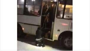 Водитель выкинул пассажирку из автобуса №109 на остановке «ГУМ» в Бердске