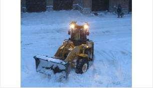 Техника каждый день выходит на очистку улиц и дворов от снега