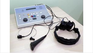 Есть три вида нарушения слуха: сенсоневральная тугоухость, кондуктивная тугоухость и смешанная
