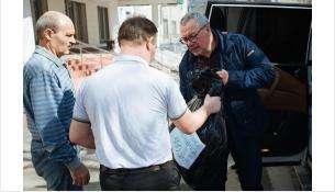 1000 масок и перчаток передал врачам депутат Заксобрания Илья Поляков