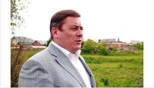 Депутат регионального парламента Глеб Поповцев побывал на плотине реки Тула в поселке 8 Марта