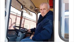 Водитель дачного автобуса Смирнов Владимир Васильевич