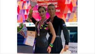 Карнаушенко Виолетта и Степанов Владислав