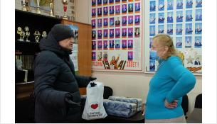 Волонтеры доставили ветеранам продуктовые наборы и сувениры