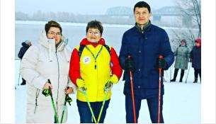 Группу организовала Галина Климук, сертифицированный инструктор скандинавской ходьбы