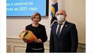 Игорь Гришунин ручил медаль Законодательного Собрания «Общественное признание»