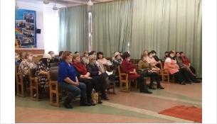 О вакцинации от ковида рассказали педагогам в Искитимском районе