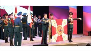 Директор Росгвардии Виктор Золотов вручил орден Жукова новосибирскому военному институту