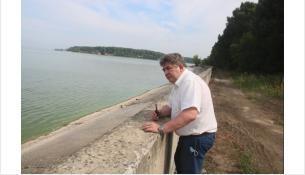 Евгений Шестернин осмотрел берег